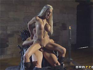 Peta Jensen getting filled in her puss