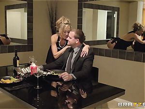 The hubby of Brandi enjoy lets her bang a different man