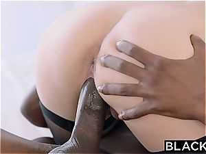 Arab lady Audrey Charlize enjoys the taste of a bbc
