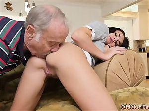 senior mummy and female inhaling mans boner riding the old manhood!