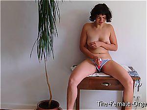 hairy school woman jacks her cascading puss