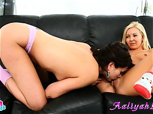 Aaliyah enjoy and Shyla Jennings frigging on couch