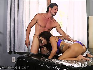 gigantic breasted Keisha Grey knows how to handle 2 jizz-shotguns at a time