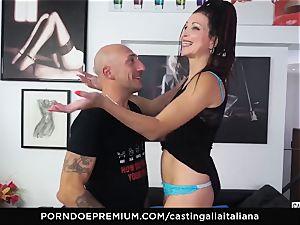 audition ALLA ITALIANA - newcummer anal invasion gape and pound