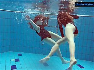 two super-fucking-hot teens underwater