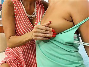 SEXYMOMMA blond scissoring with expert stepmom