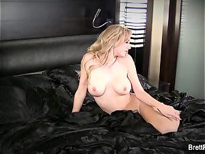 uber-sexy Brett gets entirely naked