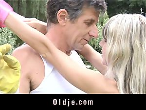 Gina Gerson gets anal invasion from an aged dude