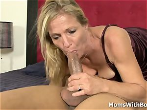 Cheated Mature wife Peaches Gets bi-racial vengeance