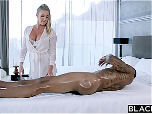 Fit pipe for lewd Samantha Saint and her cock-squeezing cooch