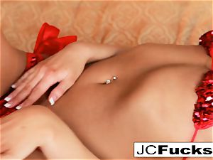 porn industry star Jayden Cole crams her ass