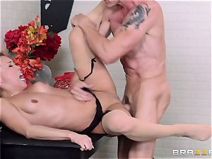 Kalina Ryu smashed by her chief as she chats to her beau