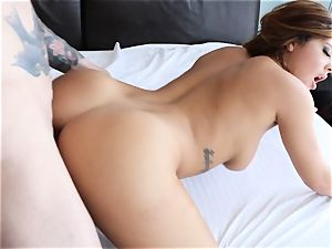 Keisha Grey bangs in a mind-blowing clittie necklace