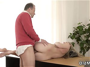 gang-bang Stranger in a phat palace knows how to hot you up