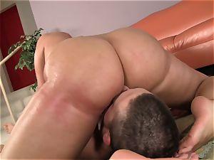 gigantic butt sweetheart
