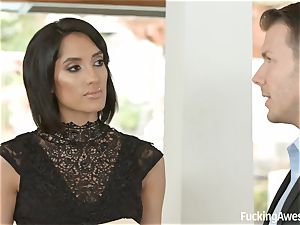 FuckingAwesome Chloe Amour gets penetrated by MMA fighter