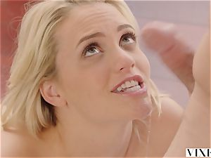 VIXEN Mia Malkova likes hook-up