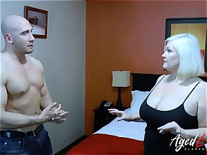 AgedLovE comfy fellow Seduced by Mature dame