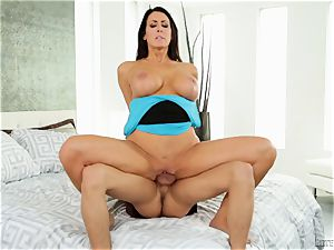penis craving cougar Reagan Fox hammered nads deep by nubile