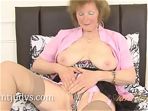 Over 60 mature model bean flashes us her grandmother body