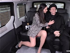 fucked IN TRAFFIC - Russian honey gets pulverized in the car