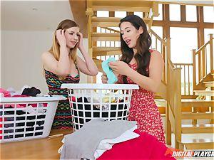honeypot rubbing nice Eva Lovia and Stella Cox messing in the laundry