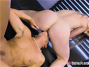 India Summers and Sunny Lane slit tribbing activity in the office